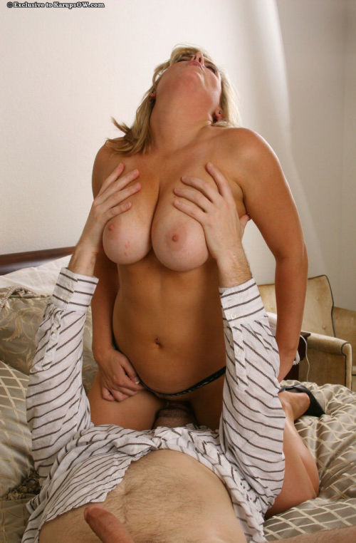 Amateur moms huge tits make a good landing pad for hubbys hot cum