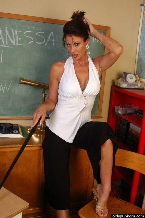 Mature teacher Vanesa strips naked in class for a nice shag